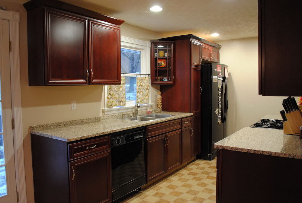 How To Install Upper Kitchen Cabinets With Crown Molding