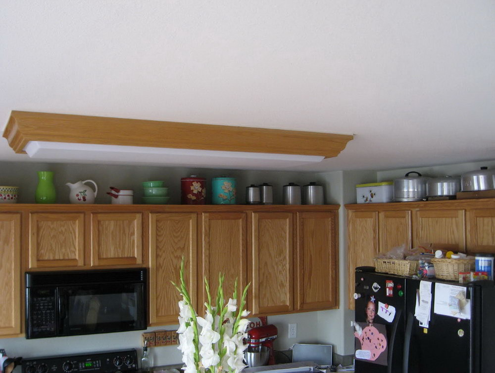 Kitchen Above Cabinet Decorating Ideas