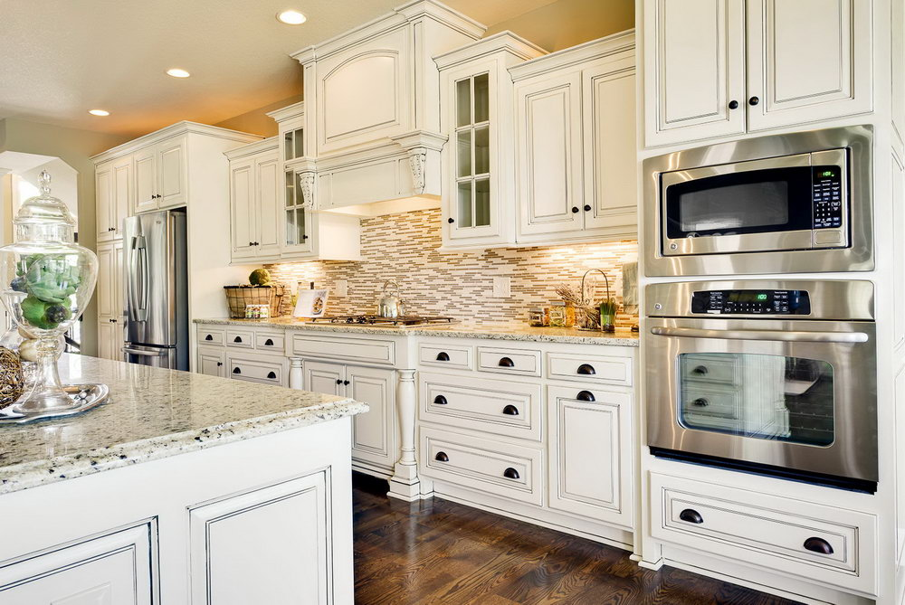 Kitchen Backsplash Ideas For Off White Cabinets