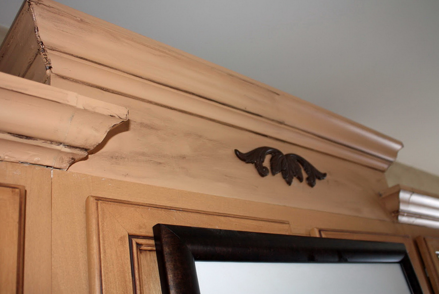 Kitchen Cabinet Crown Moulding Installation