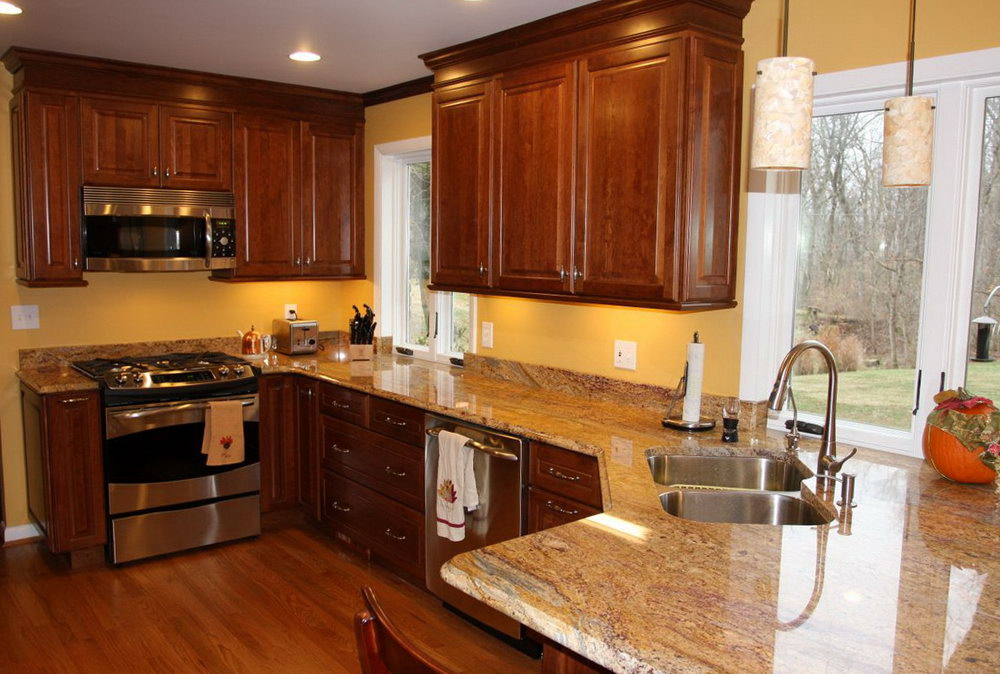 Kitchen Decor With Cherry Cabinets