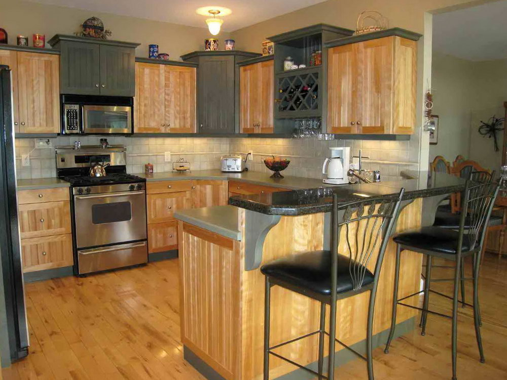 Kitchen Decor With Oak Cabinets