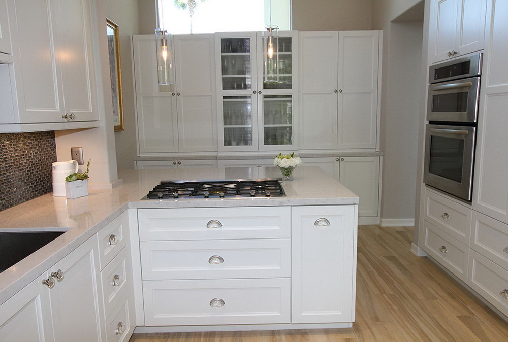 Knobs On White Kitchen Cabinets