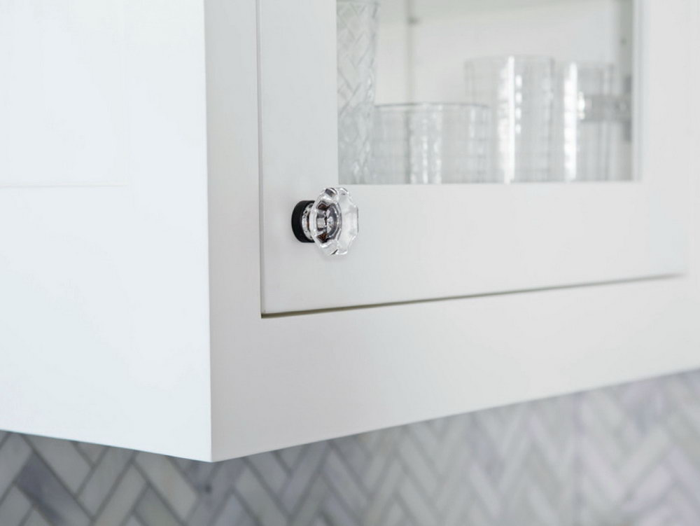 Pulls Or Knobs On Kitchen Cabinets