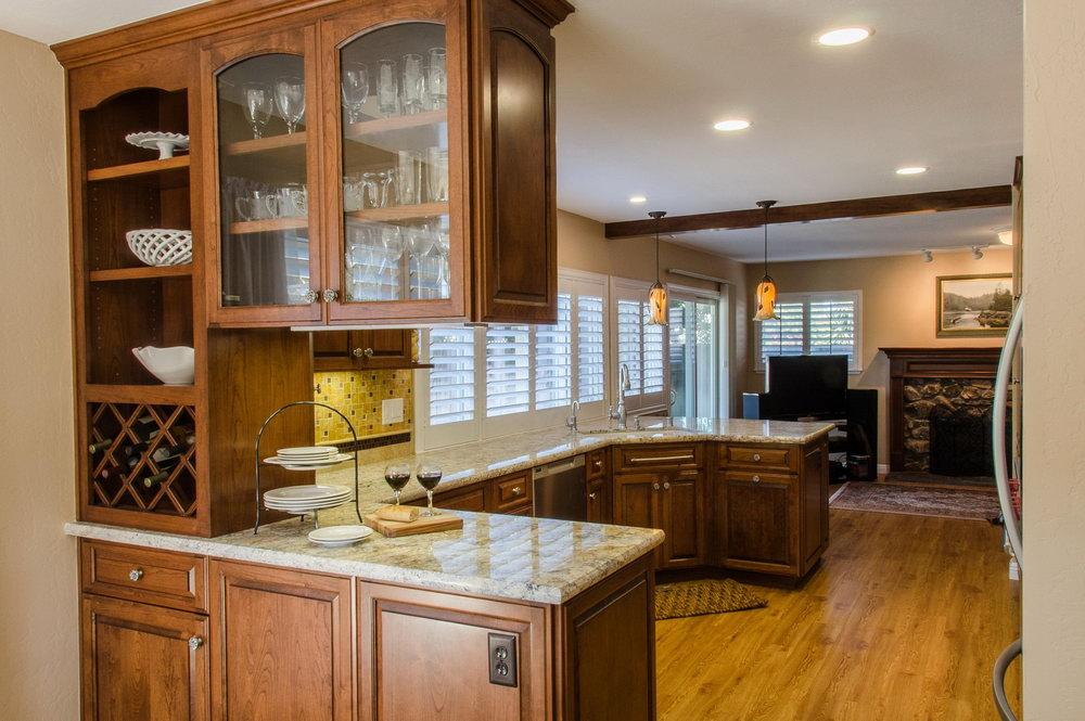 Small Kitchen Cabinet Design U Shape