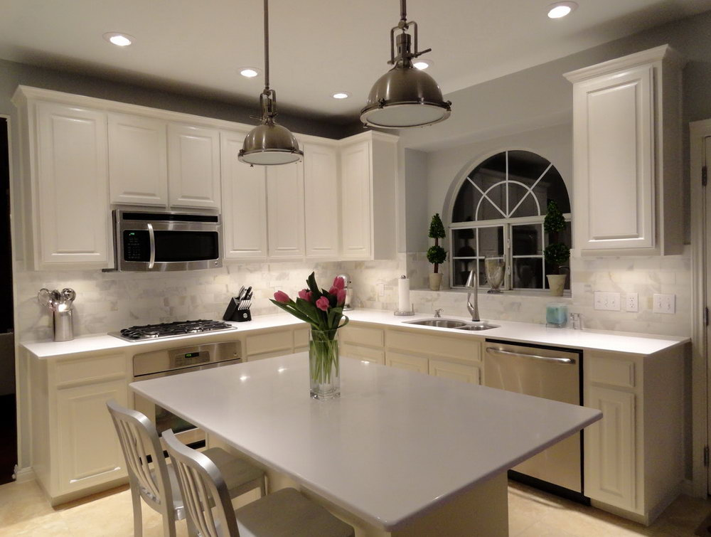 White Kitchen Cabinets With White Quartz Countertops
