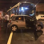 Dentista morre após bater carro em ônibus em Piracicaba, SP
