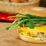 Hambúrguer de Lombo com Abacaxi
