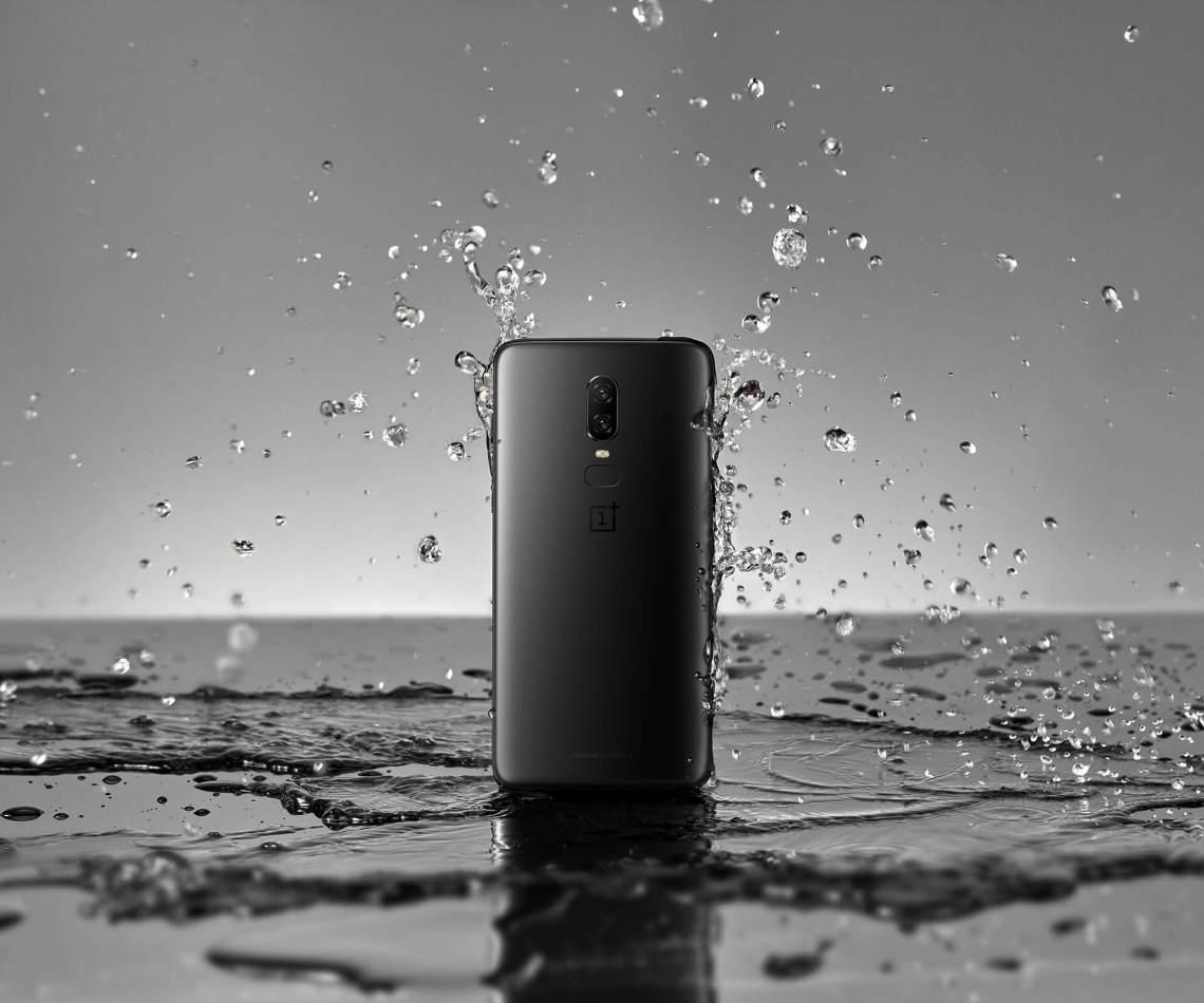OnePlus 6 A6003 Dual-SIM (256GB Storage | 8GB RAM) Factory Unlocked 4G Smartphone (Midnight Black) – International Version