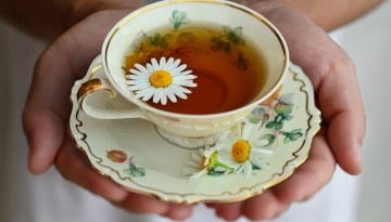 15 Benefits of Chamomile Tea for Skin, Hair, and Health with Its Side Effects