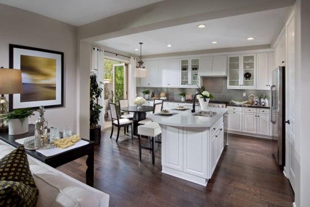 updated-feature-2_1440-05_PL4_Kitchen_CrystalView_WarmingtonHomes_EricFiggePhotos