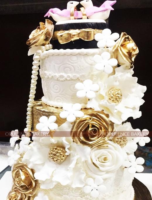 3 Tiers Wedding Fondant Cake