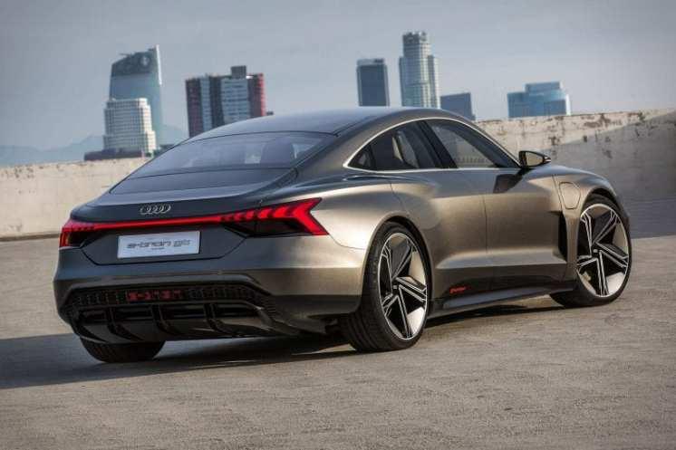 Opulent Club Audi E-Tron GT 4
