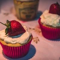 Cupcakes de Morango e Iogurte - Chá de Lua-de-mel da Má