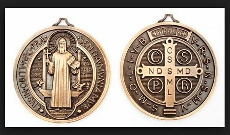 medalla de san benito para que sirve
