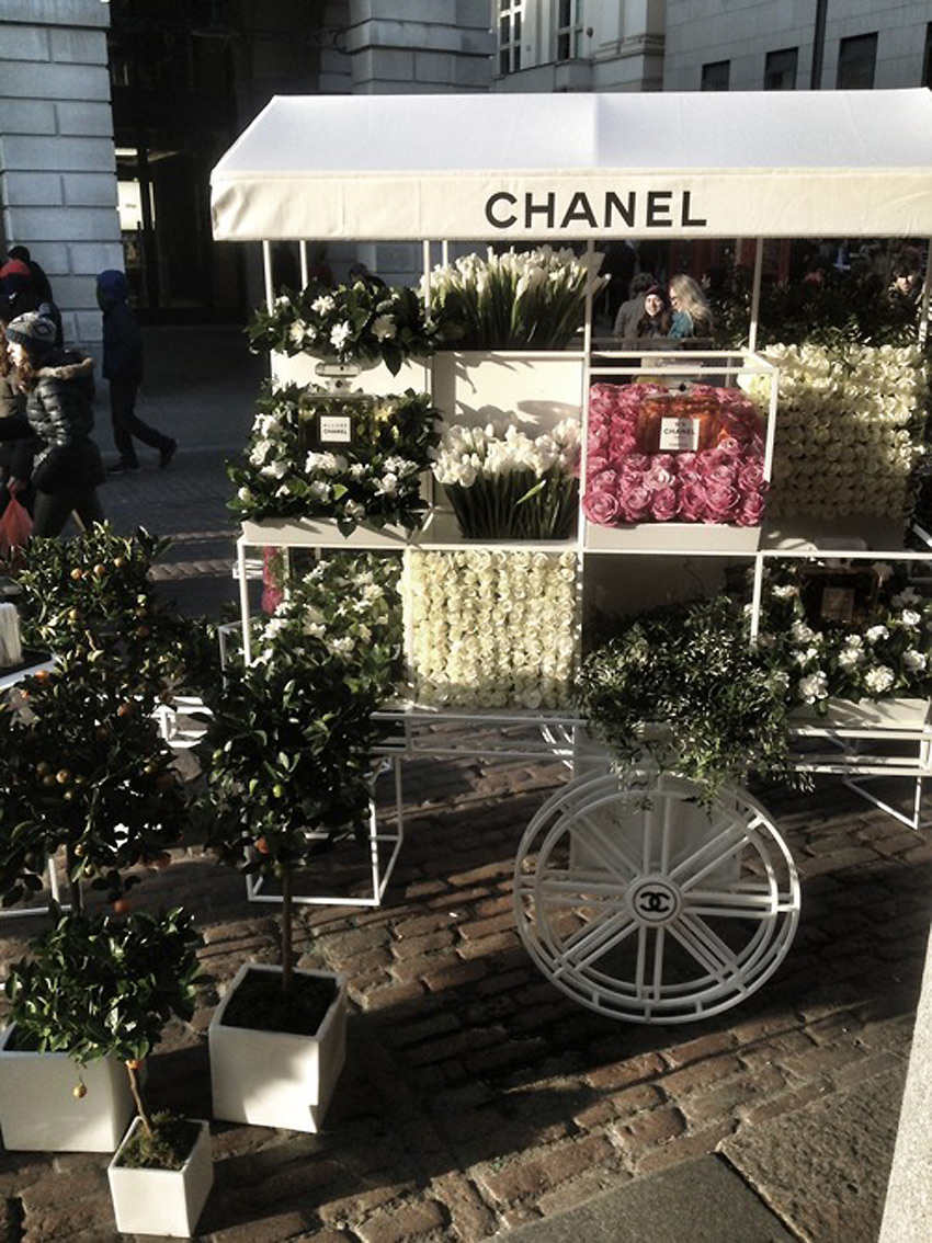 Chanel-Flower-Stall.2