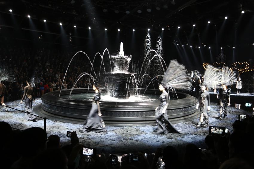 Paris-Louis-Vuitton-SS-2014-Oracle-Fox.8