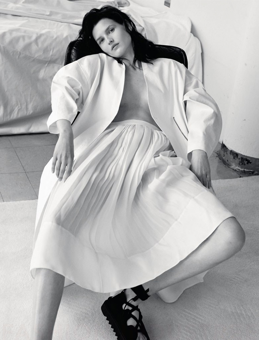fashion magazine editorial white outfit numero russia kaolin was david roemer celine proenza scholar dress shoes alexander wang