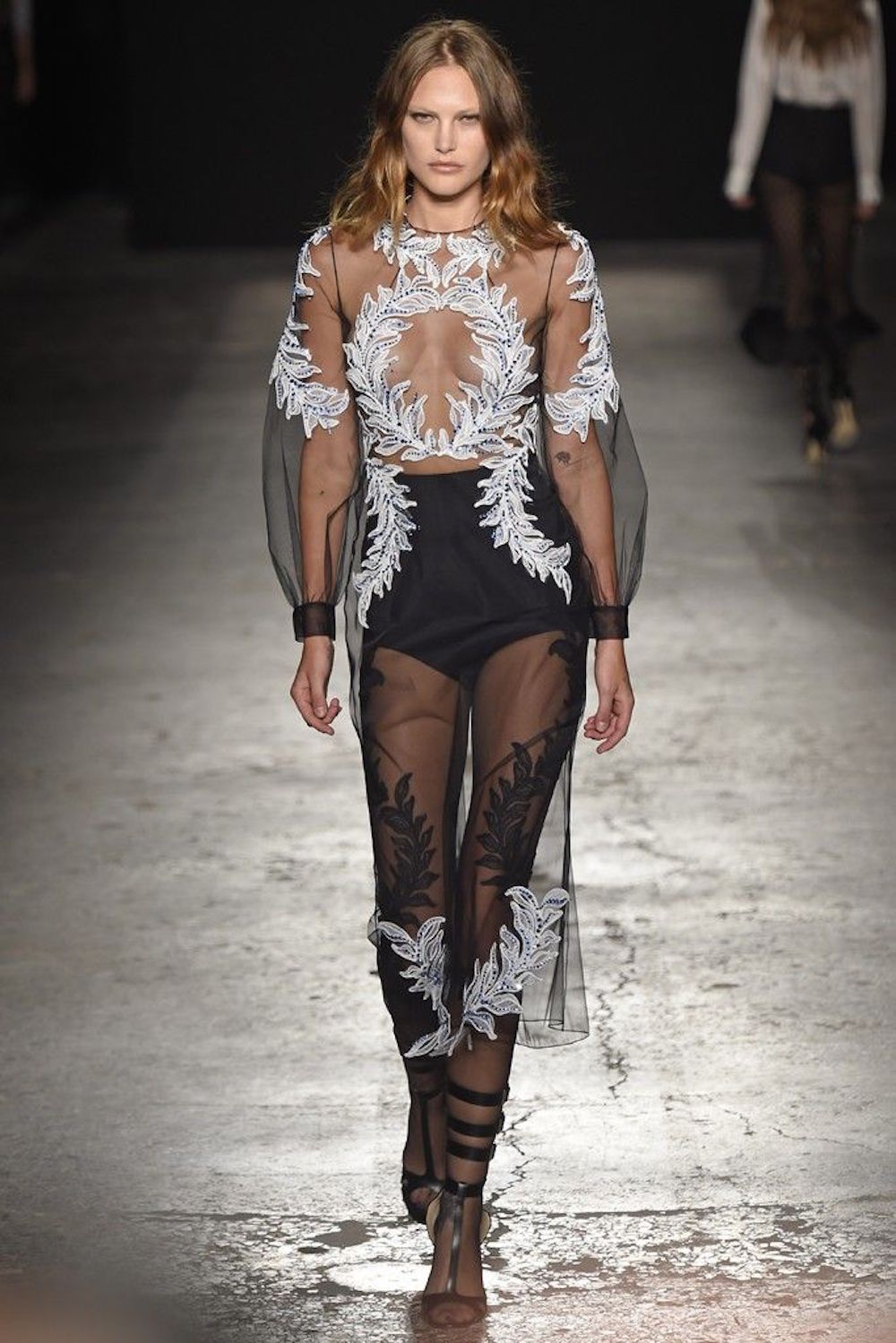 20-francesco-scognamiglio-rtw-spring-2015-runway-cat-mcneil-oracle-fox