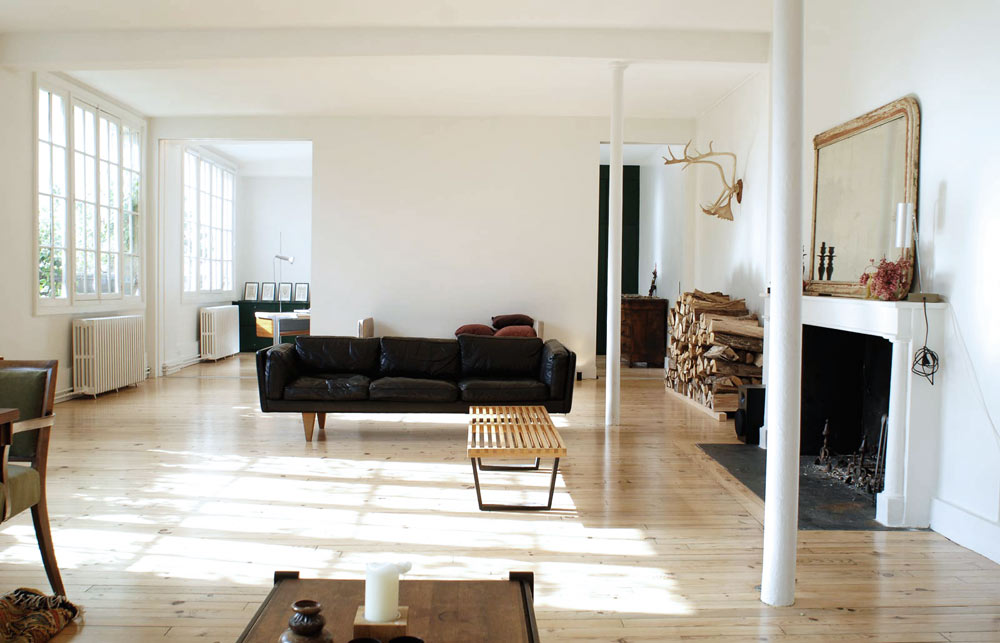 oracle, fox, sunday, sanctuary, timber, minimalist, house, paris, natural, light, bay, windows, living, room, wooden, floors