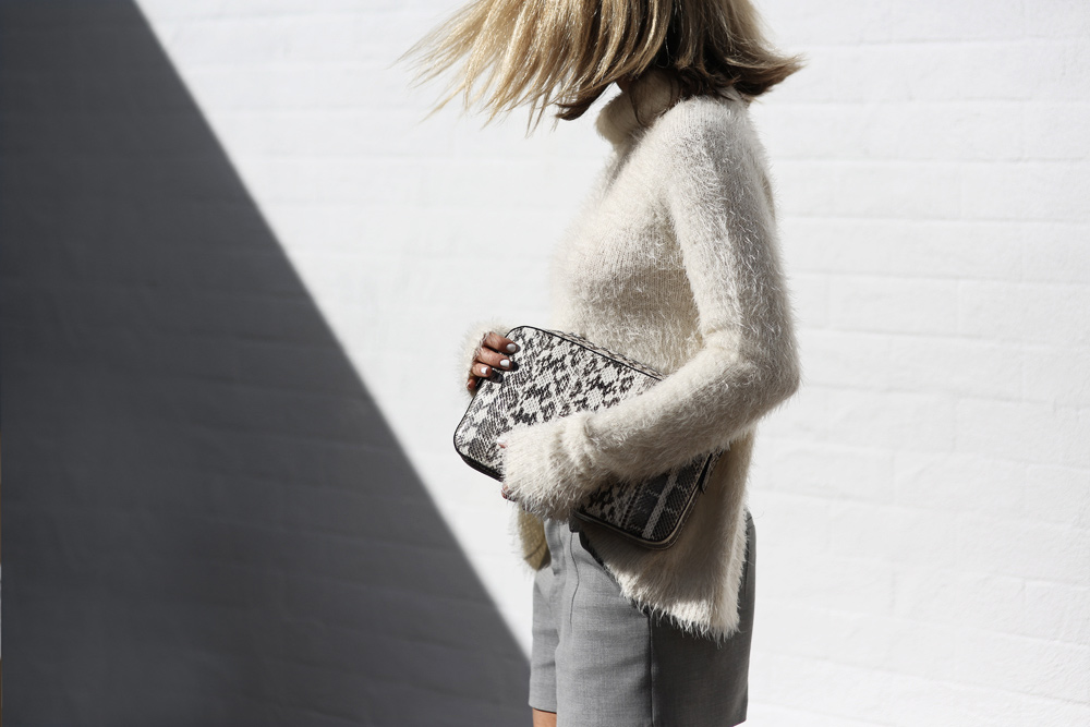 Anna Quan, White Knit, White Knit Top, grey shorts, boyy, fur shoes, brogues, snakeskin clutch,  monochromatic outfit