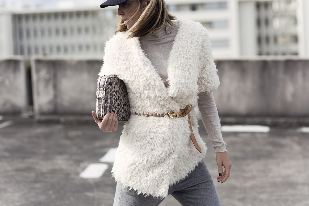 Anna Quan, Grey Coat, Grey Trouser, trousers, coat, teddy coat, vans hat, skivvy, winter outfit, tomboy outfit