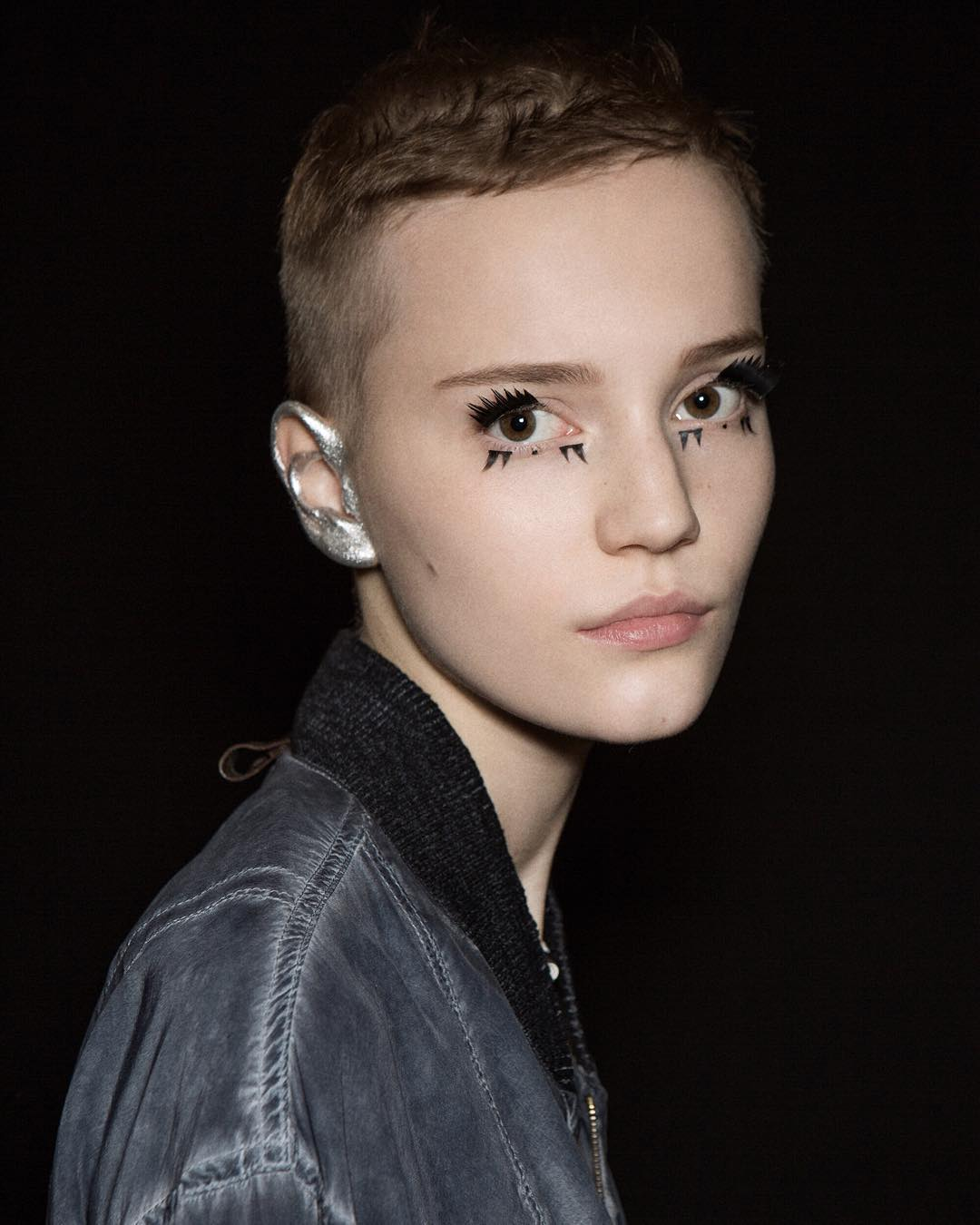 louis-vuitton-silver-ear-make-up-beauty-runway-ss16-fashion-oracle-fox