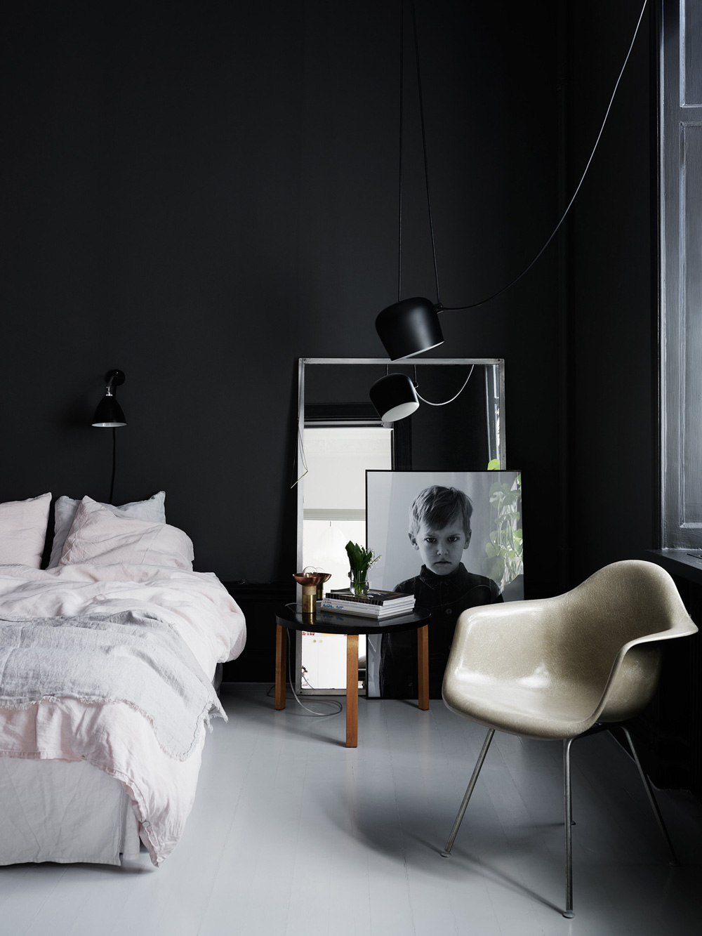 Oracle, Fox, Sunday, Sanctuary, The, Darker, Side, Black, Bedroom, Wall, Art, Cosy, Bed