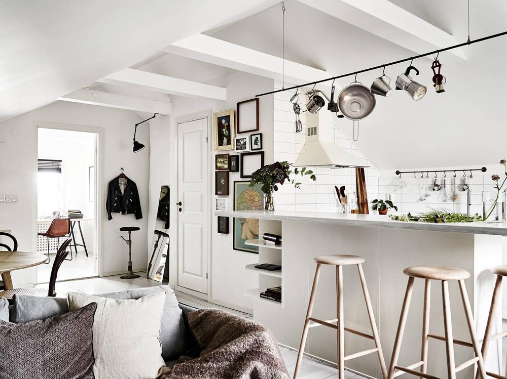 Oracle-Fox-Sunday-Sanctuary-Elsewhere-Small-Apartment-living-Alternative-Scandinvian-Interior-8