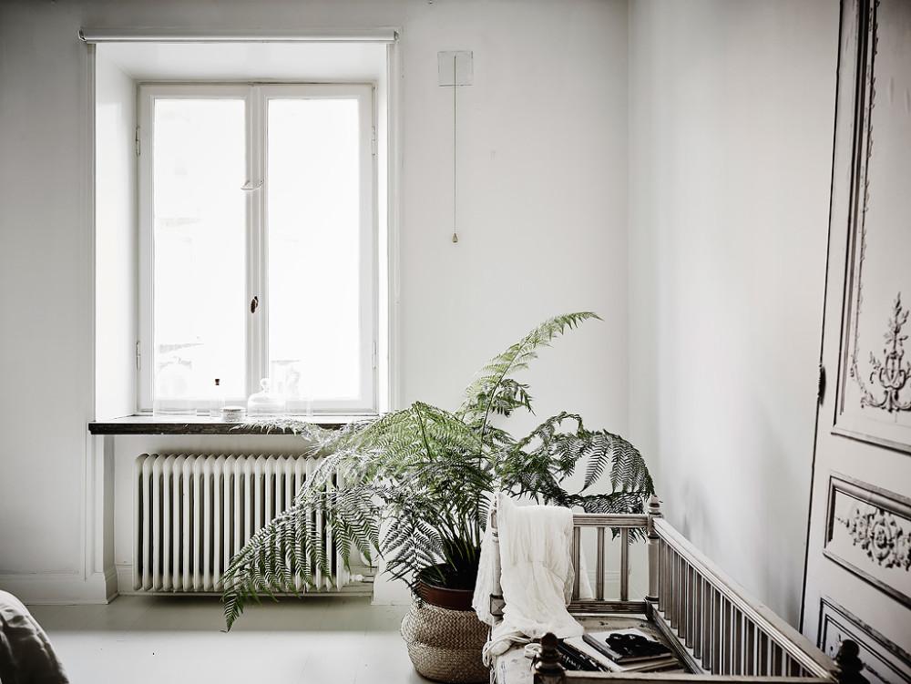 Oracle-Fox-White-Scandinavian-Interior-Bright-Apartment-24