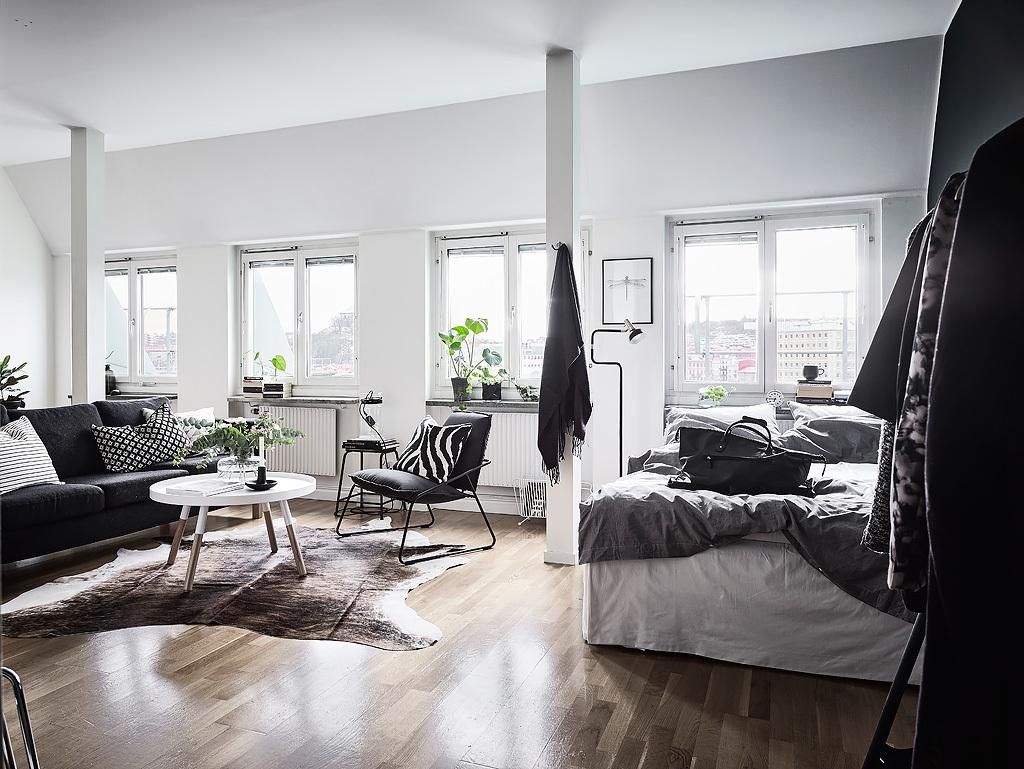 sunday-sanctuary-scandinavian-black-and-white-apartment-home-interiors-oracle-fox