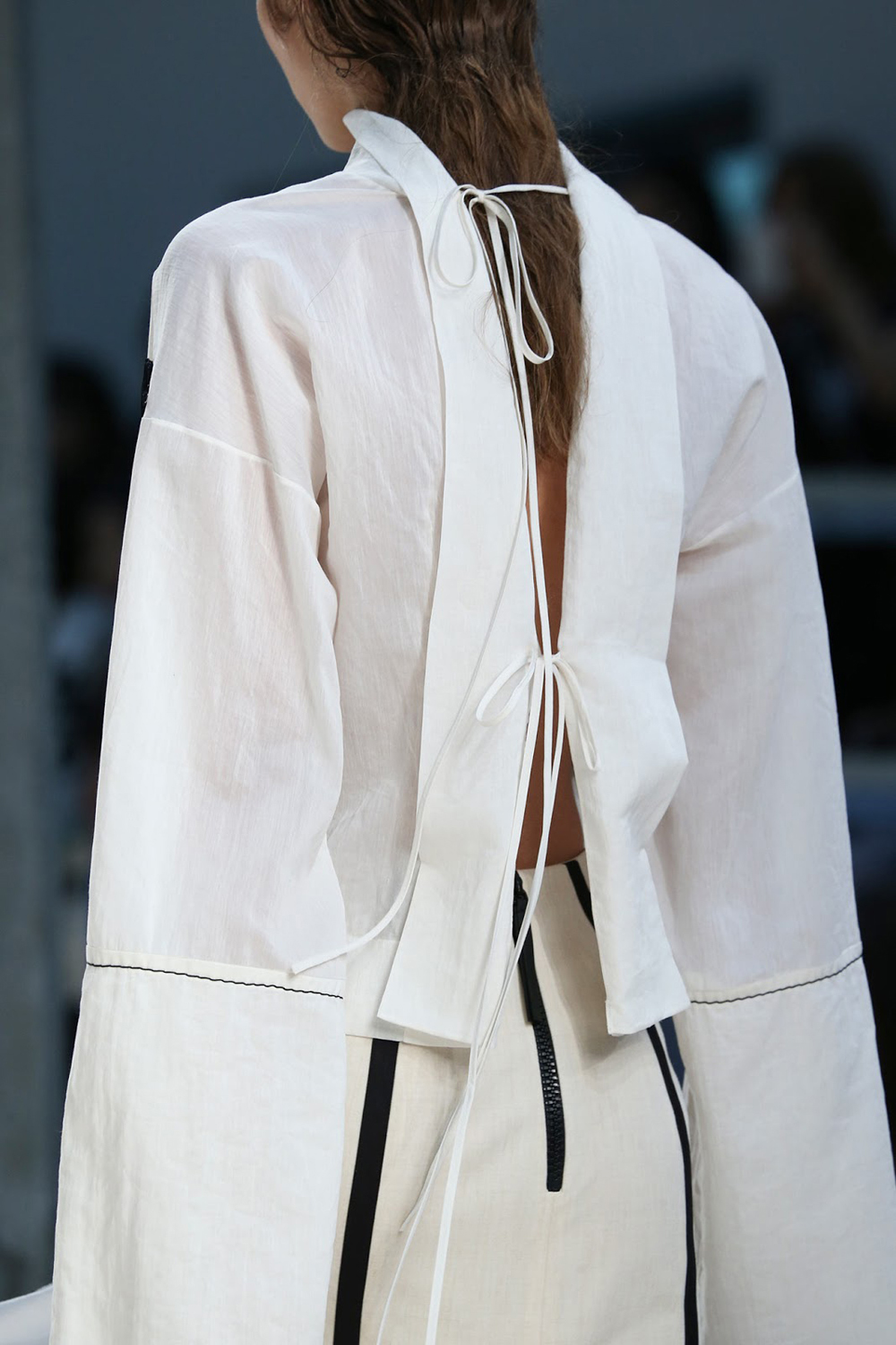 tied, tied up, street style, trends, ties, back details, 2017 trends, fashion, oracle fox