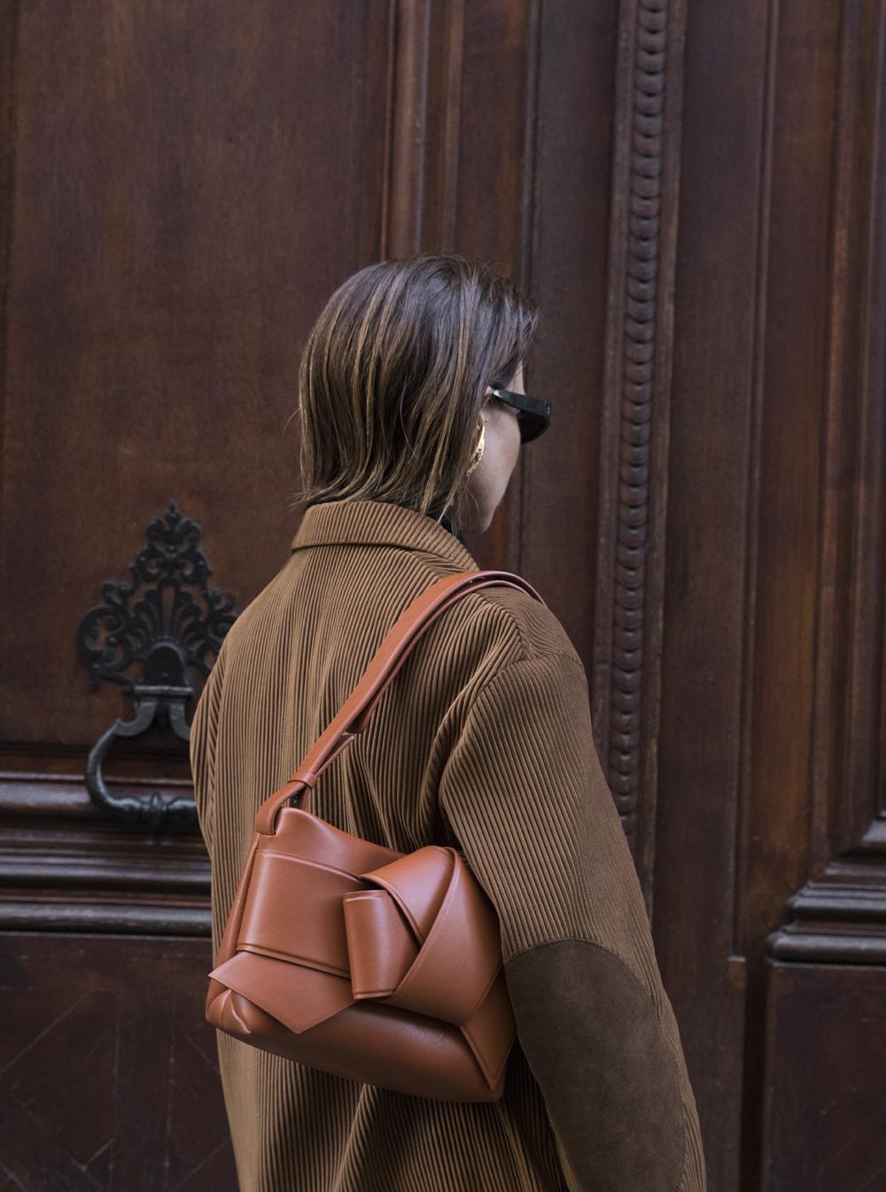Acne-Corduroy-Brown-Suit-Knot-Bag-Paris.2