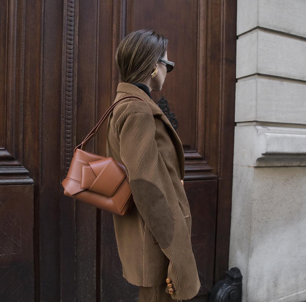 Acne-Corduroy-Brown-Suit-Knot-Bag-Paris.4