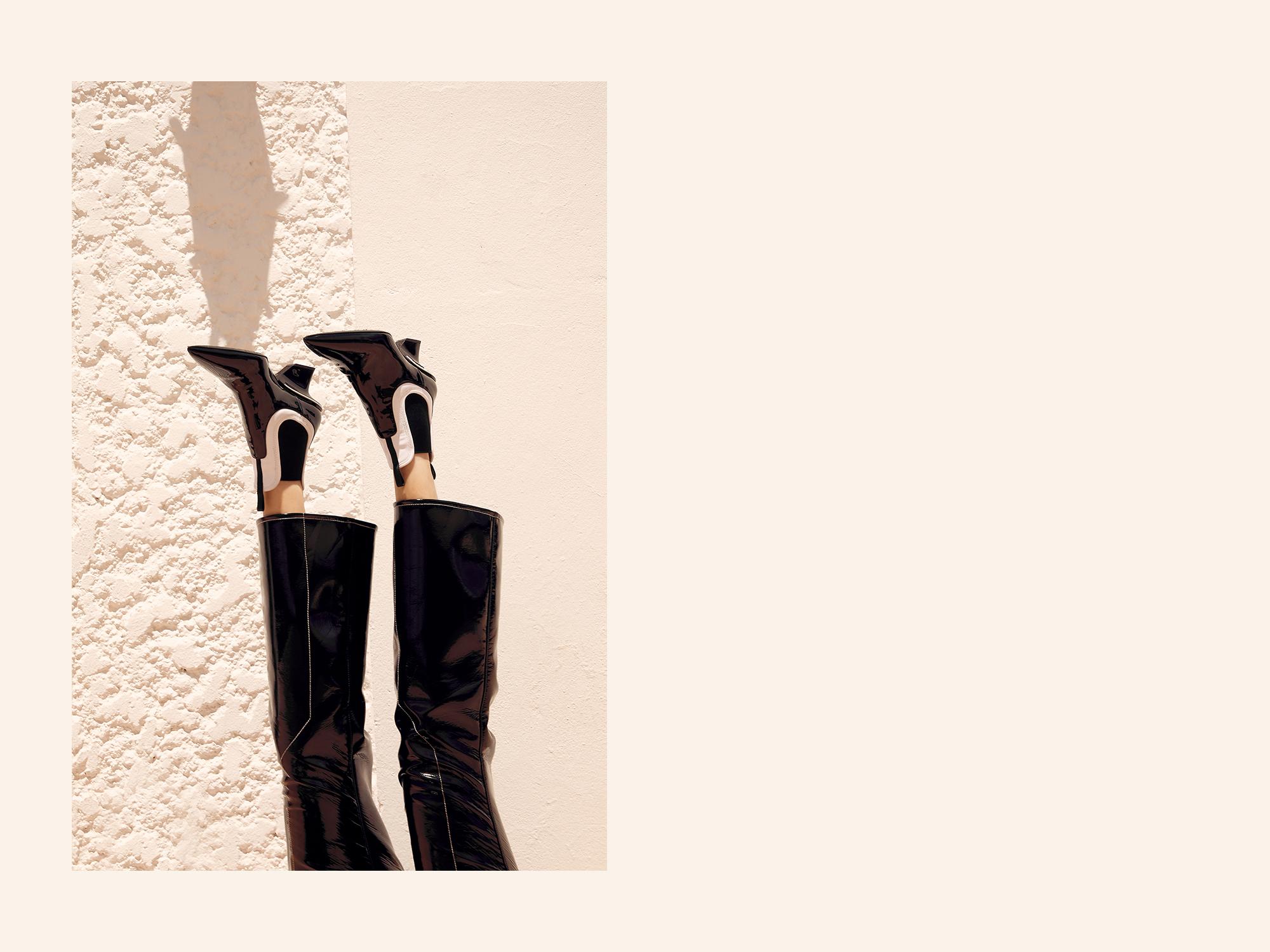 Editors-Outfit-Black, Prada, Boots, Balenciaga, Crystal Earrings, Editors Outfit, Oracle, Fox