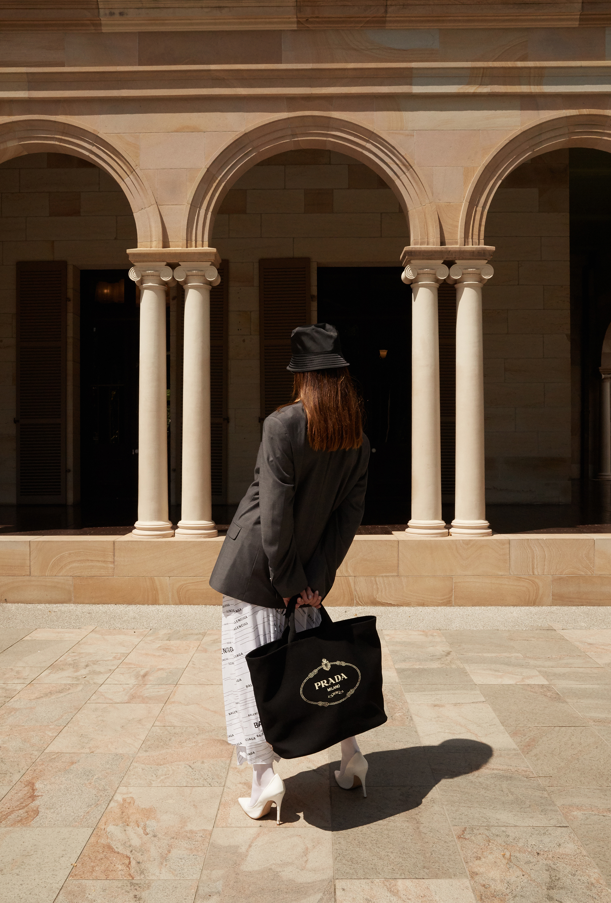 Editors, Outfit, Style, Inspiration, Balencigag White Skirt, Prada bag, Prada Hat, Oracle Fox