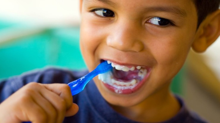 stop bleeding gums in children