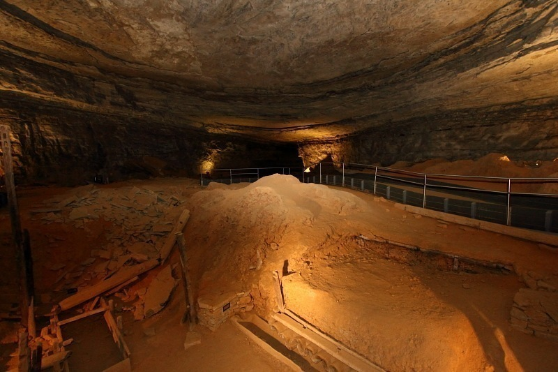For the Love of God, SEE Mammoth Caves Before You Die | OrangeBean