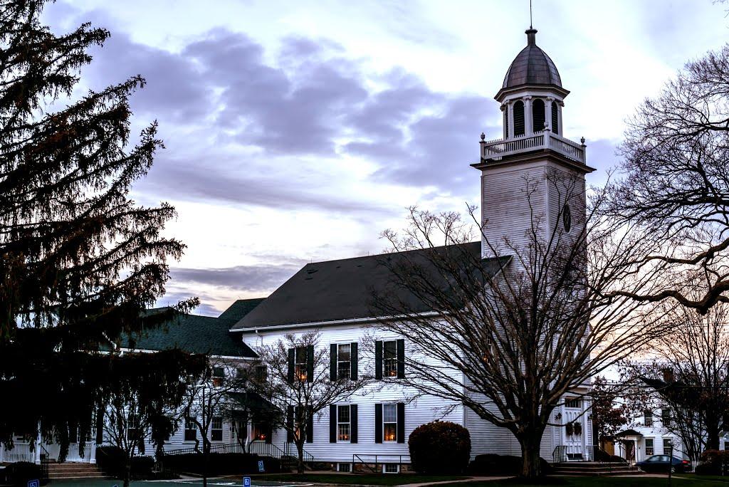 Orange Congregational Church: Sunday Services, Tag Sale