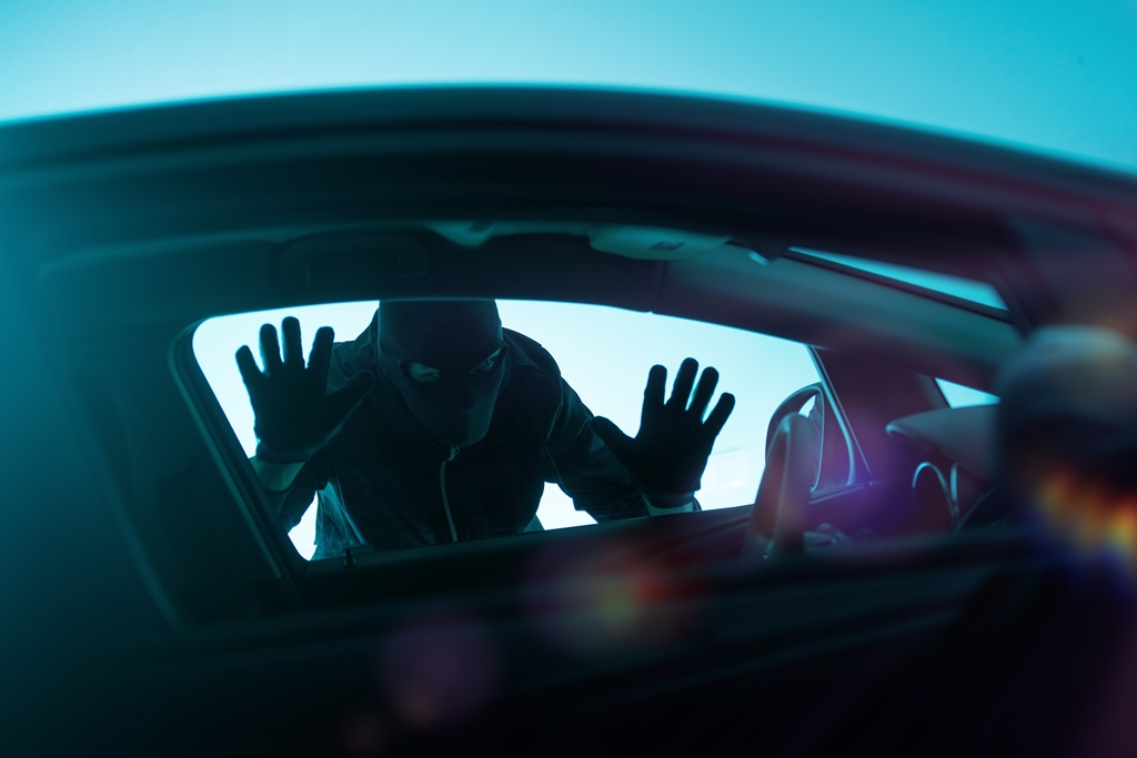 WARNING: Resident Reports Attempted Early Morning Car Break-In