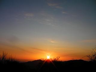 傾山からの朝日