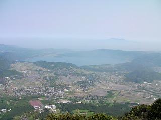池田湖と高隅山遠景