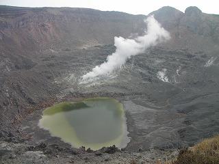 新燃岳火口