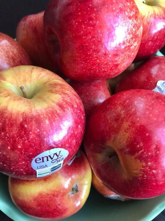 Envy apples calories