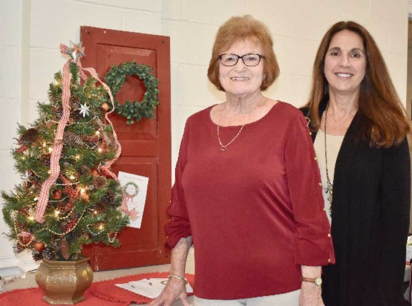 Garden Club Holiday House Tour