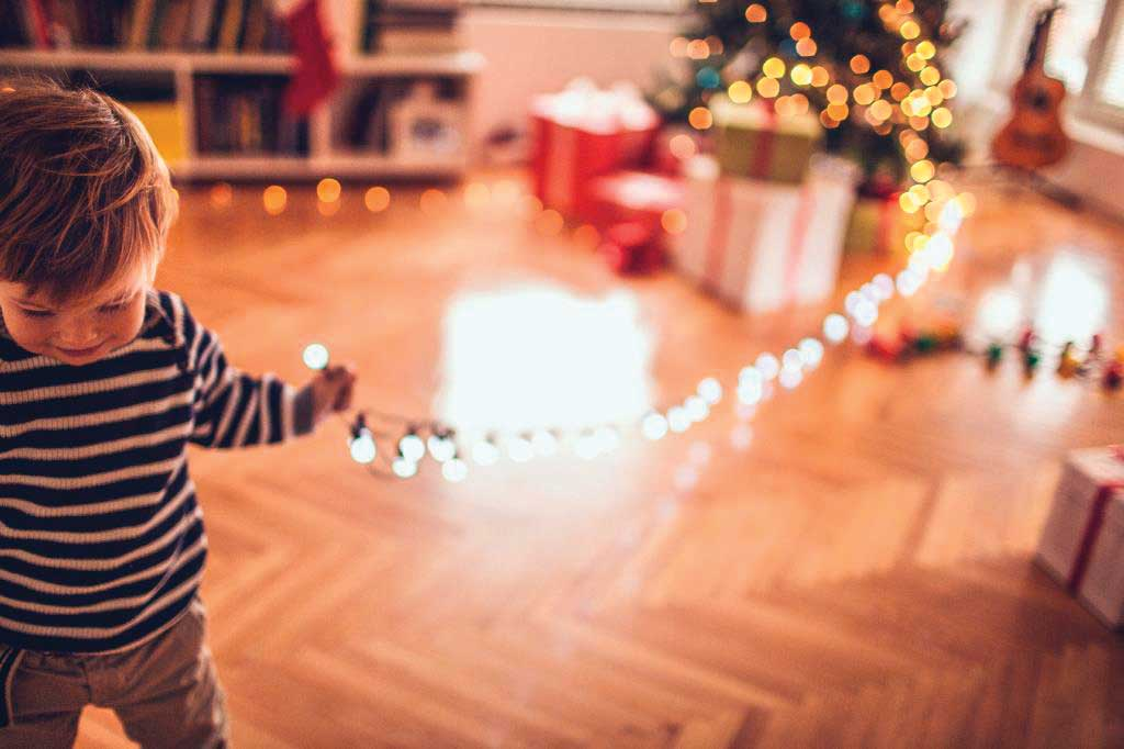 United Illuminating Offers Holiday Safety & Efficiency Tips