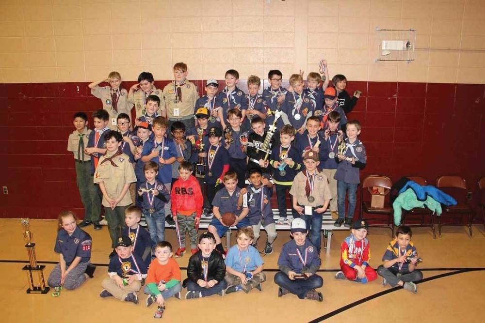 orange pack 922 pinewood derby