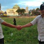 PILPRES Indonesia, dua orang lelaki bertaruh dengan sehektar tanah