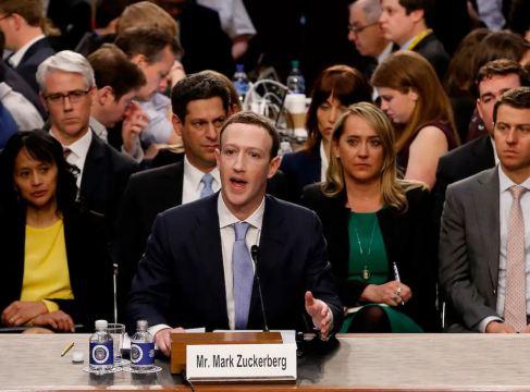 Mark Zuckerberg Siasat Data Peribadi