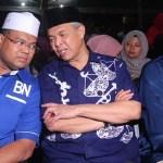 Zahid kata UMNO perlu bergabung dengan Tun Mahathir untuk selamatkan NAJIB?!